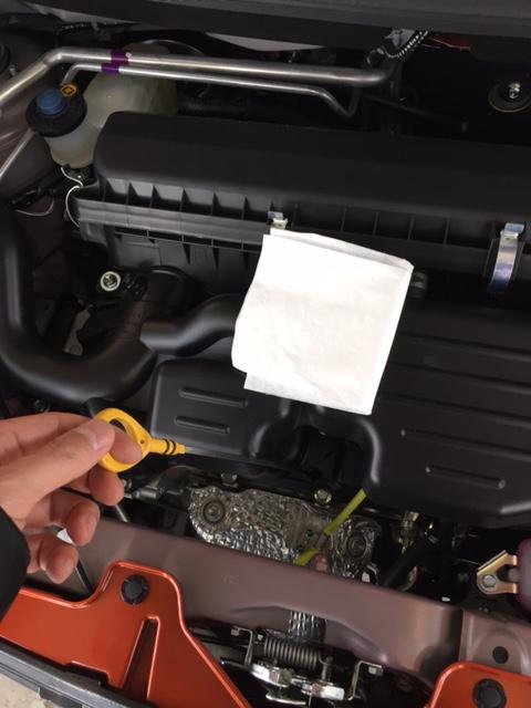 エンジンオイルチェック方法1