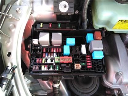 冷え エアコン ない 車 の が 車のエアコンから冷風が出ない!故障原因5つと検査・修理方法|Seibii